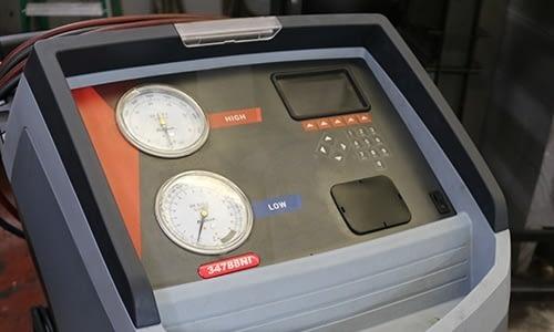 Robinair AC Diagnostic Machine